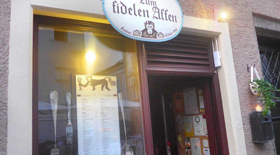 Entrance fideler Affe restaurant